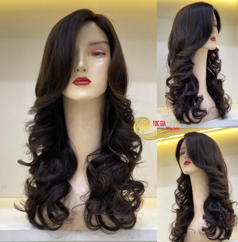 Hãy chọn tóc giả phù hợp để tôn lên vẻ đẹp của bạn.